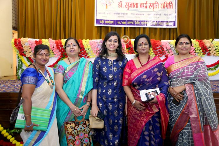 प्रीति पांडेय, रचना शर्मा, प्रिया वर्मा, डॉ. विजय लक्ष्मी, डॉ. कमल मुसद्दी, डॉ. निशि प्रकाश, डॉ. रेखा चौबे
