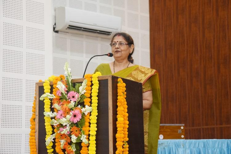 डॉ. विजय लक्ष्मी द्वारा भाव-अभिव्यक्ति